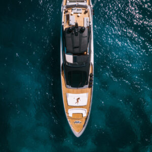 A,Luxury,Private,Motor,Yacht,Anchored,On,Tropical,Sea